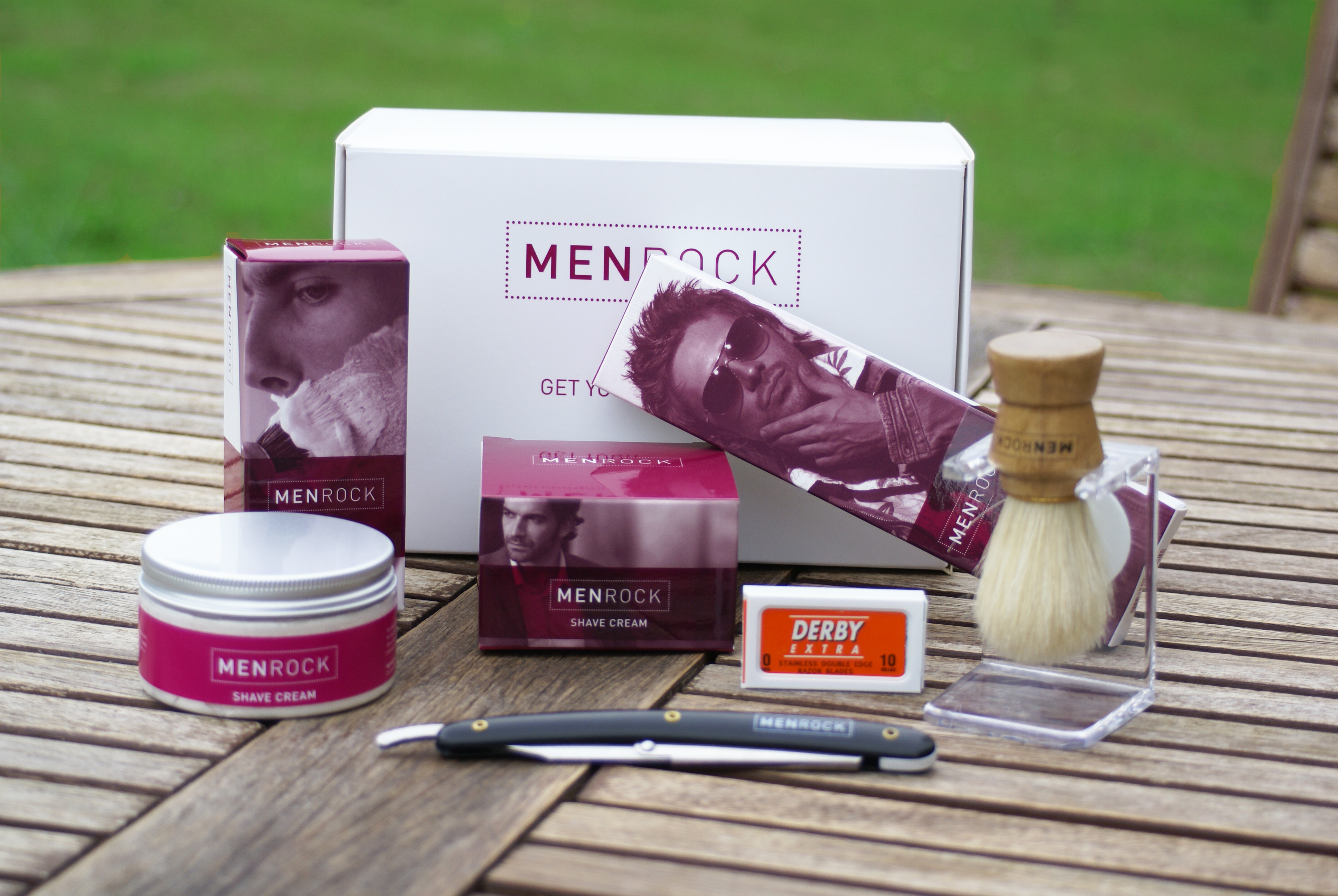 men rock shave kit